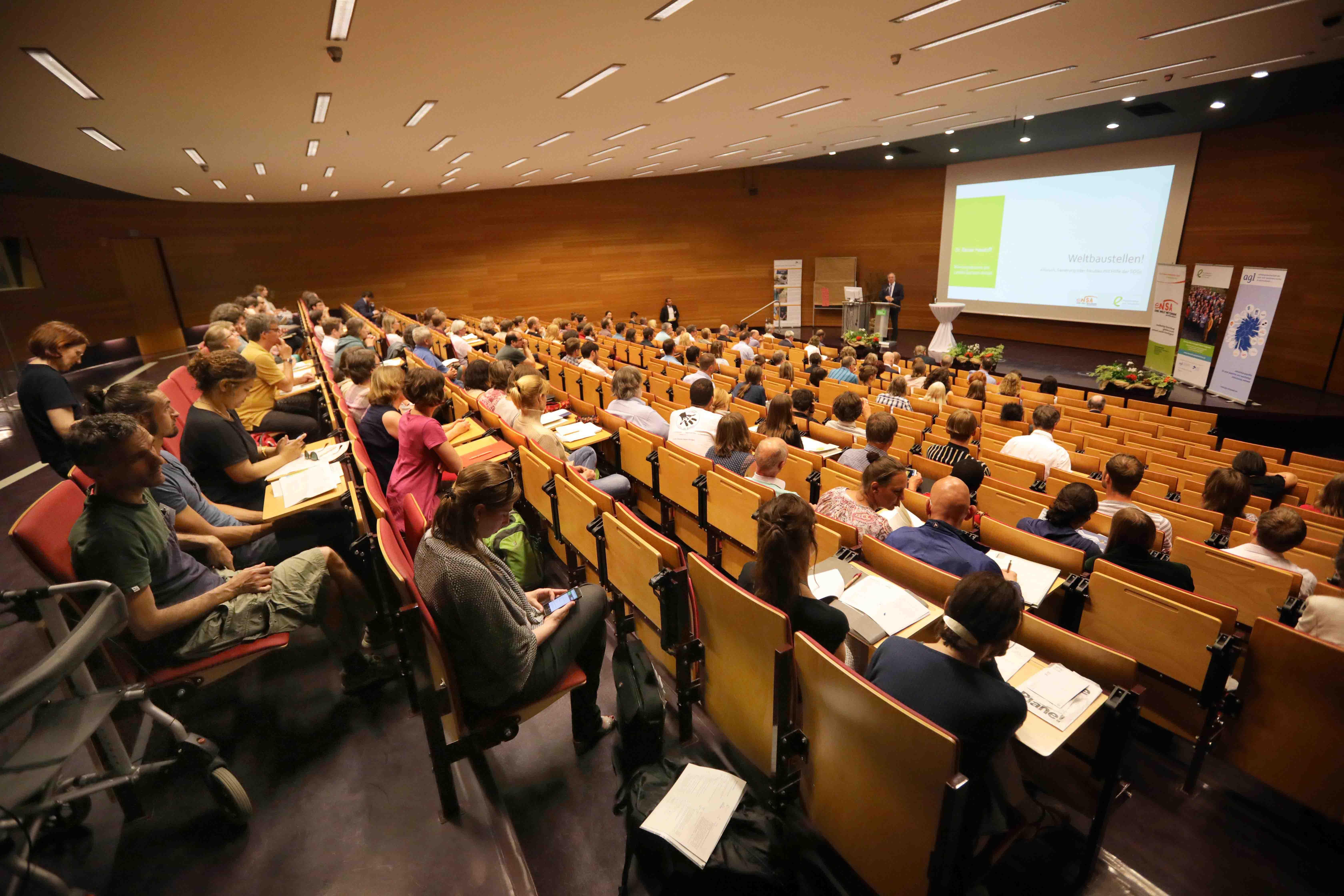 Konferenzteilnehmer Weltbaustellen im UBA