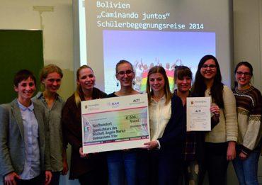 Foto der Verleihung des ACT Eine Welt Schulpreises