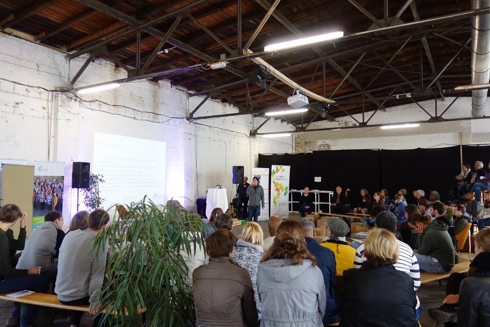 Eine Welt Promotorinnen im Gespräch auf der Bundeskonferenz 2018 im CRCLR Berlin.